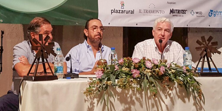 El Presidente de INAC Federico Stanham presente en el inicio de Expo Durazno 2017