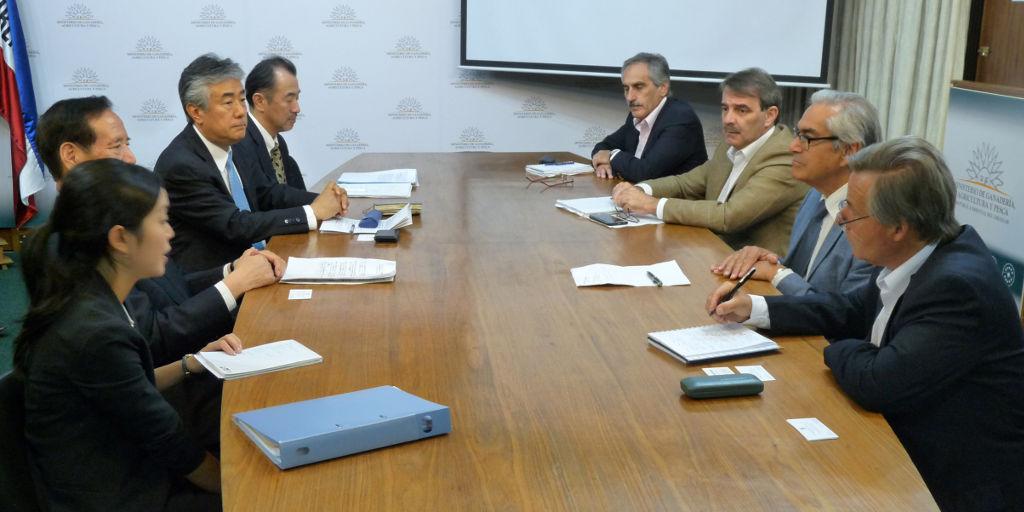 Misión japonesa visitó Uruguay por apertura del mercado.
